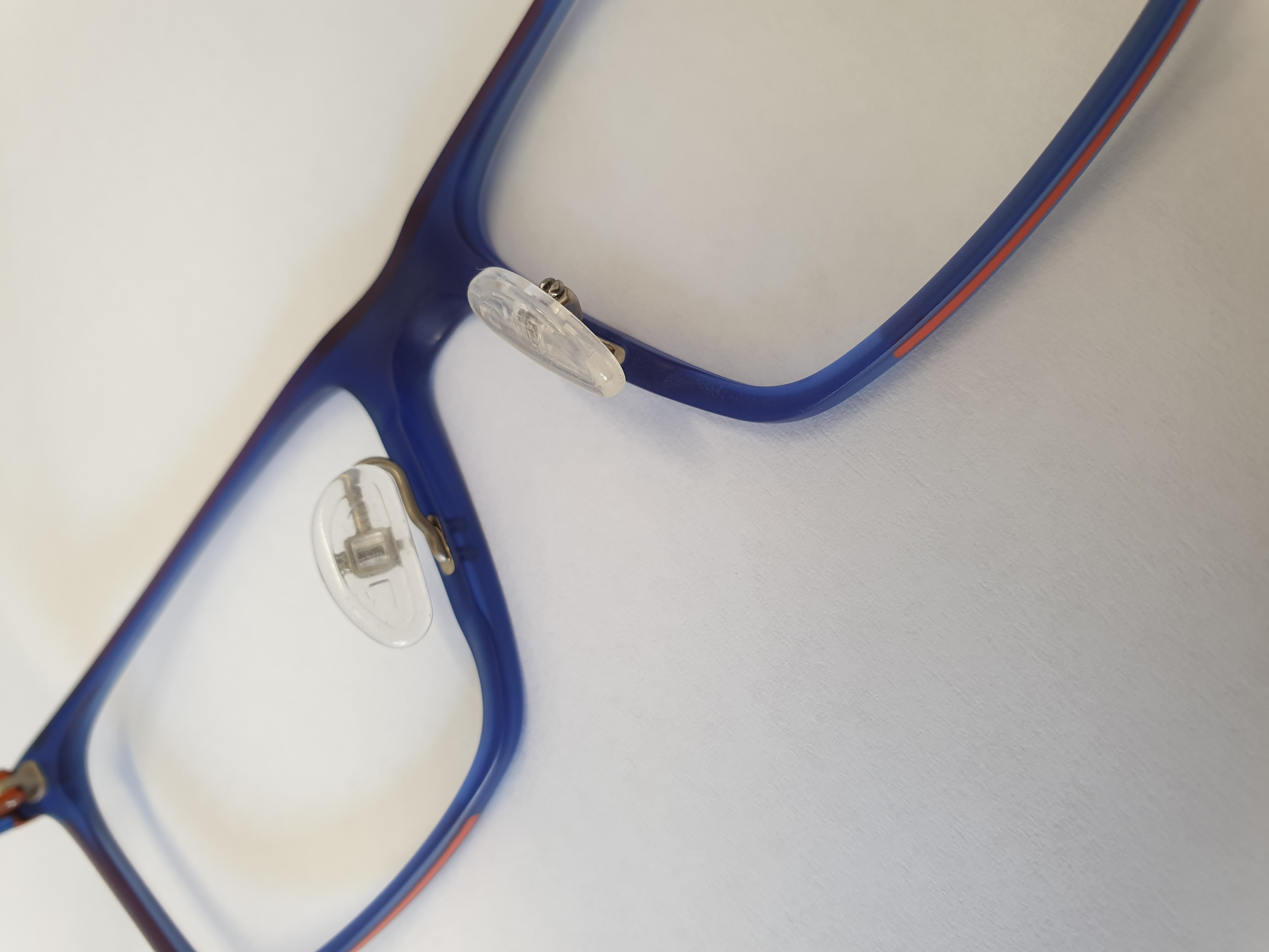 Padhebel an Kunststoffbrille montieren